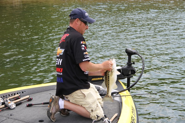 Brian thrift with a magnum lanier spot for Ultimate match fishing